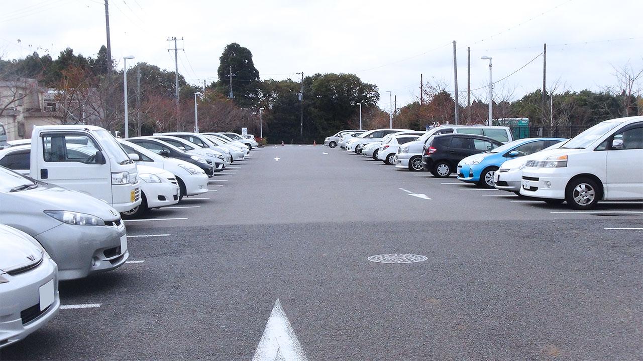成田市さくらの山公園駐車場