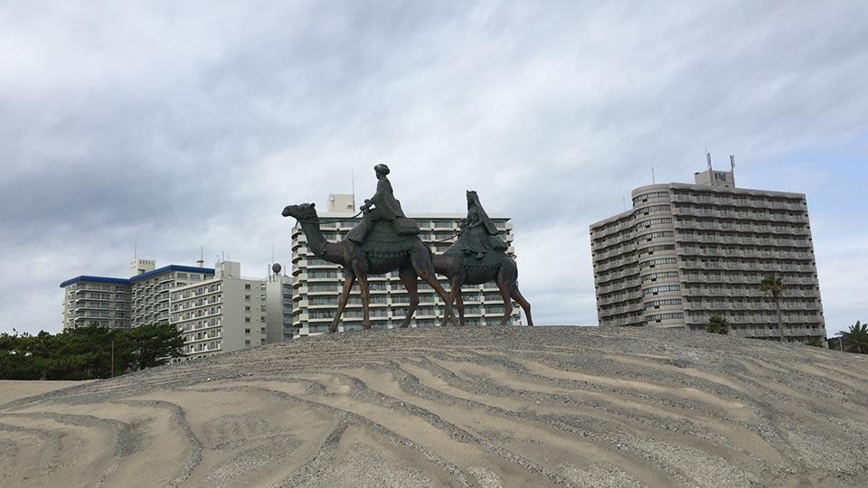 御宿月の砂漠の記念像