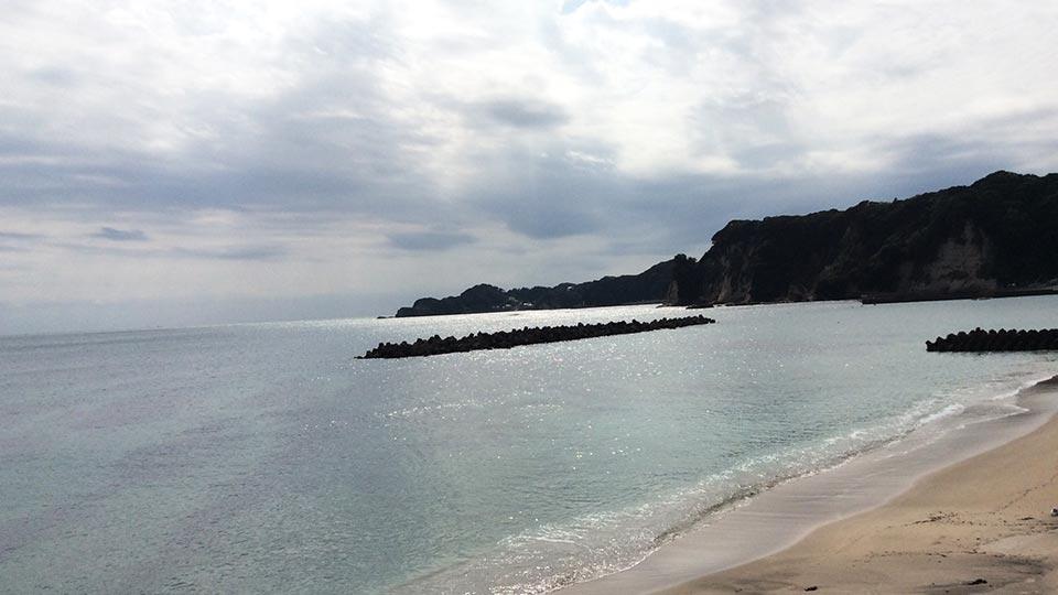 勝浦の綺麗な海002