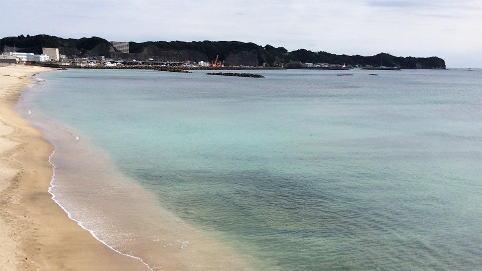 勝浦の綺麗な海001