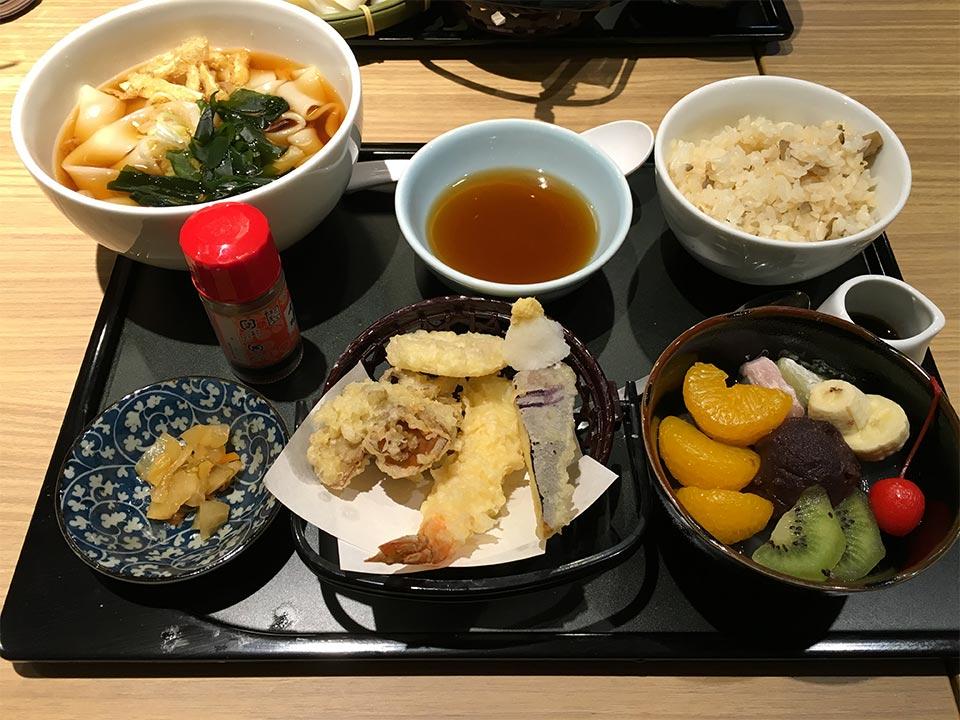 和食デニーズ佐野店天ぷらの彩りご膳(あんみつつき)