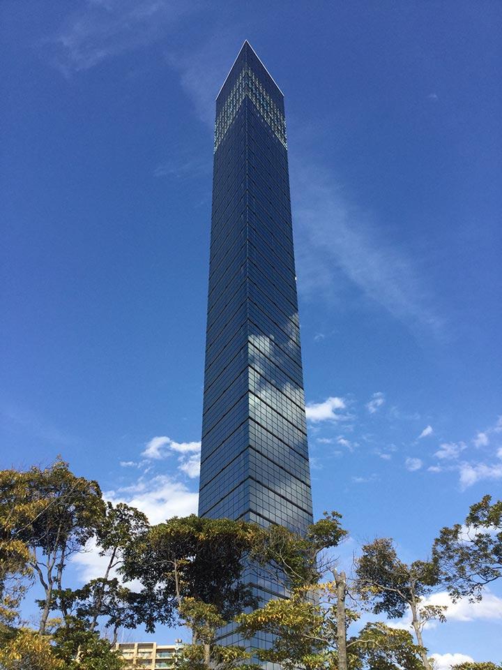 千葉ポートタワー全景