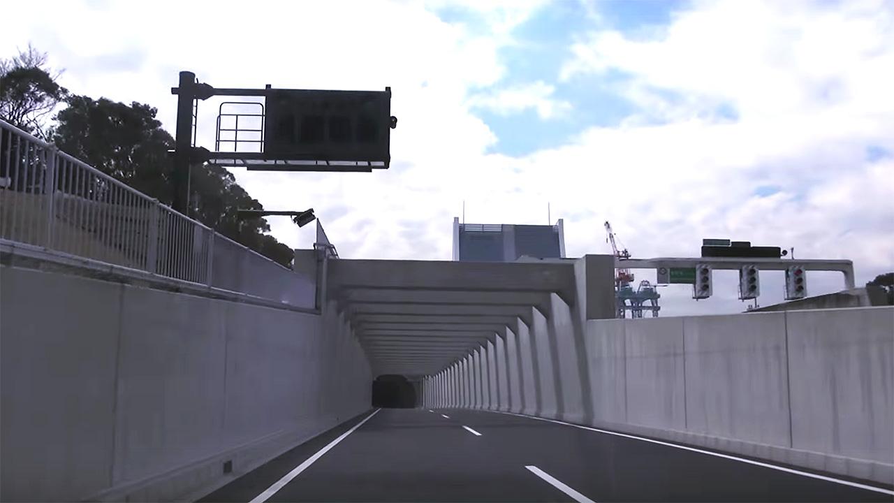 東京港トンネル西行き