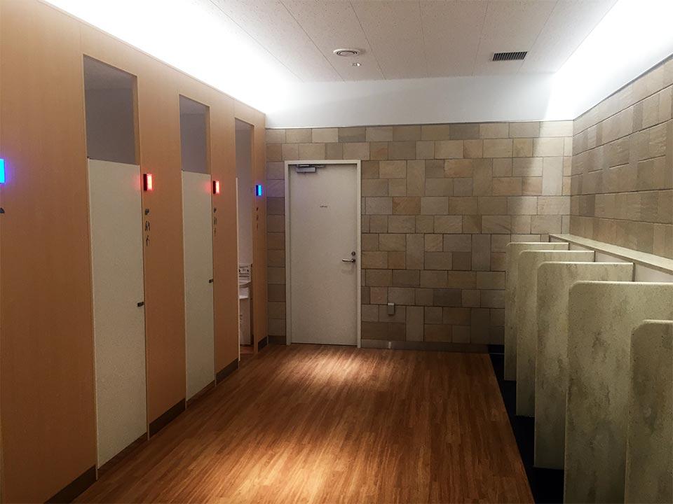 三島大吊橋男子トイレ