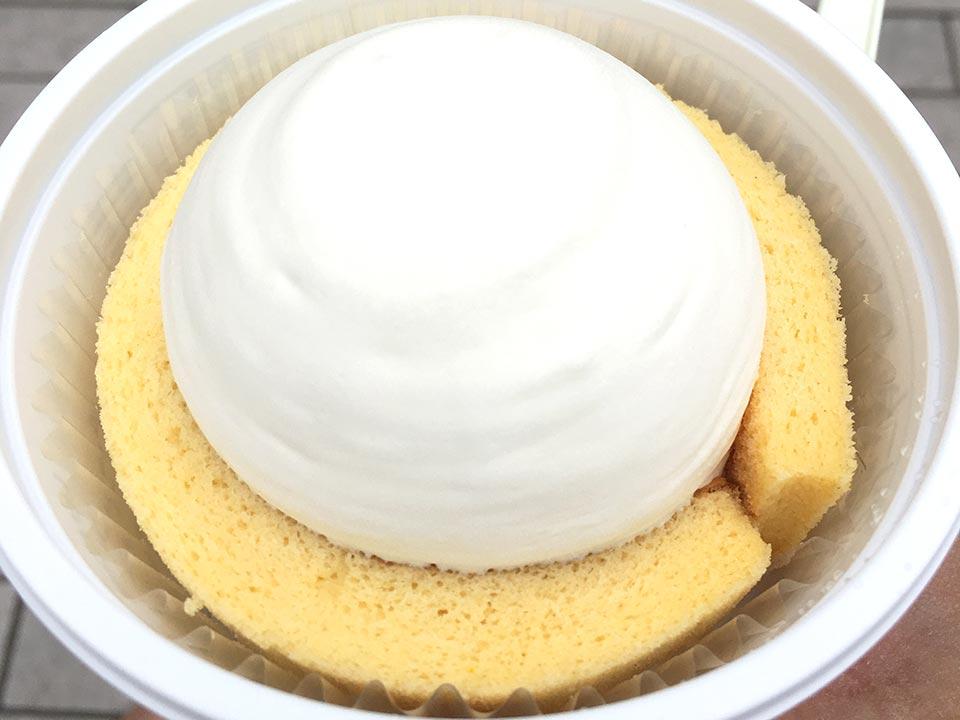 Uchi Cafe SWEETS プレミアムチーズロールケーキアイス