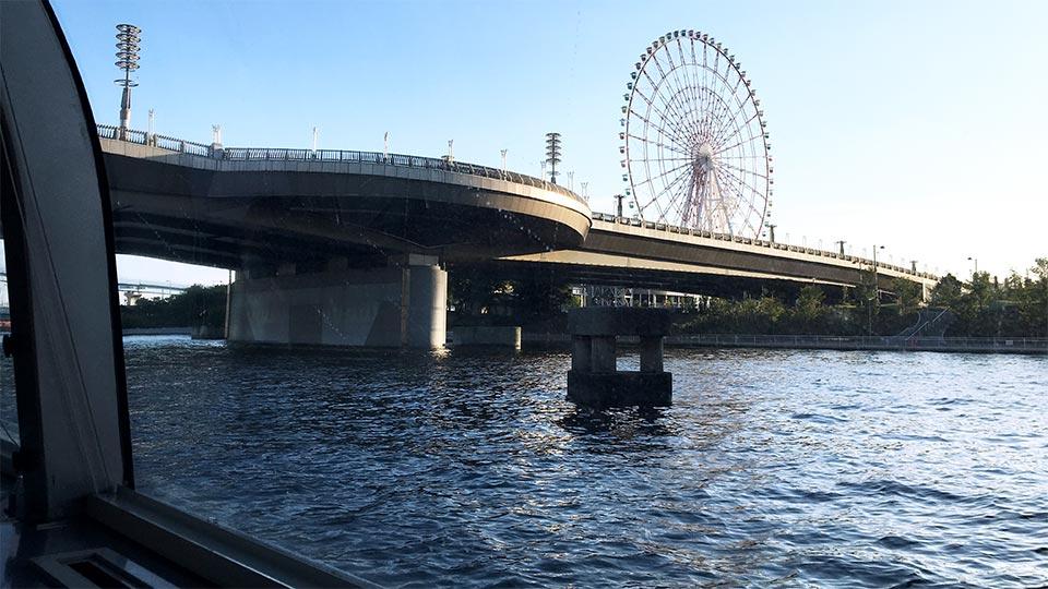 青海大観覧車東京水辺ライン船内から