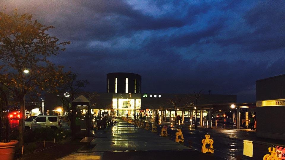 函館駅外観夜間