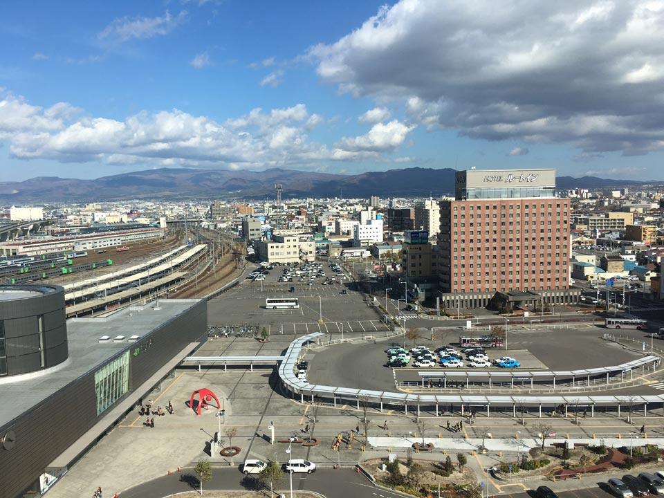 函館駅_フォーポイントバイシェラトン函館から函館方面の景色
