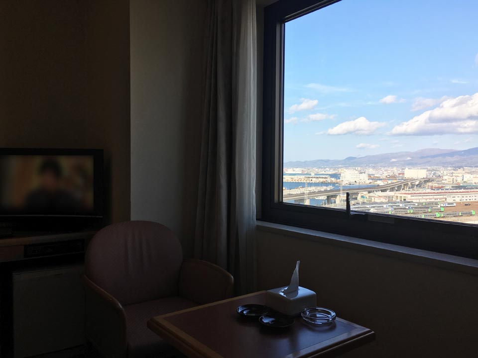 部屋_フォーポイントバイシェラトン函館から函館方面の景色