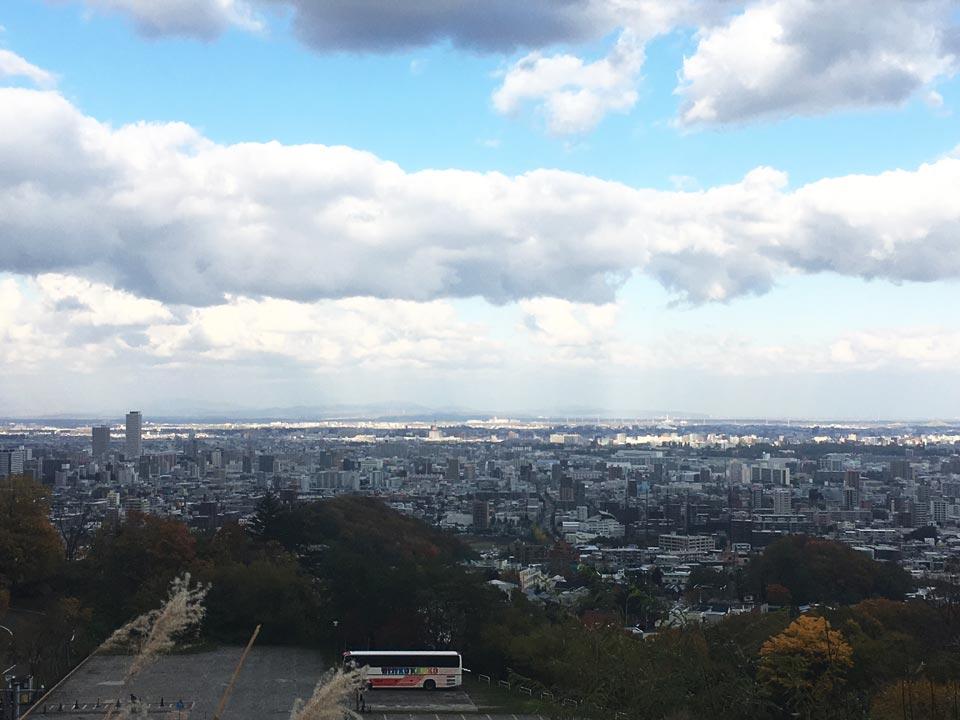 大倉山展望台ラムダイニング大倉山ジンギスカン前からの眺望