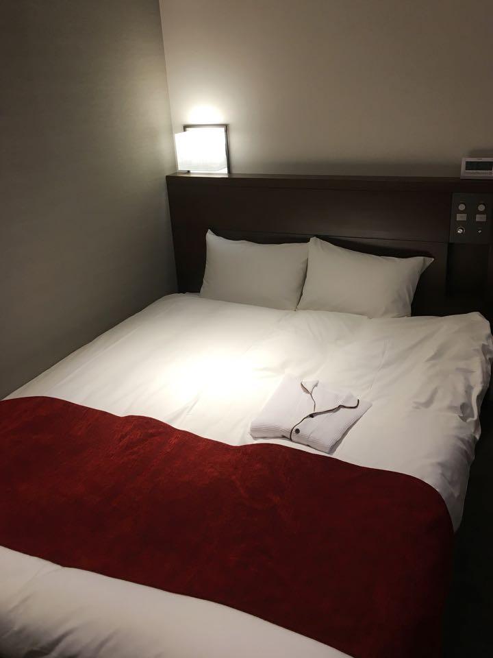 ベッド_ダイワロイネットホテル_daiwa roynet hotel