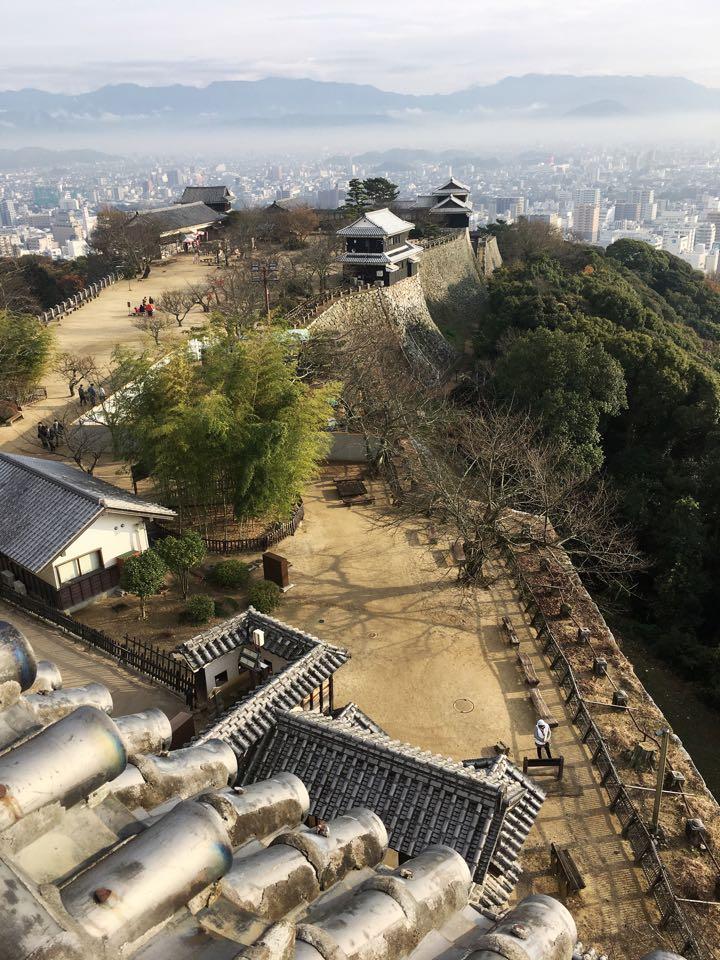 松山城城下の景色