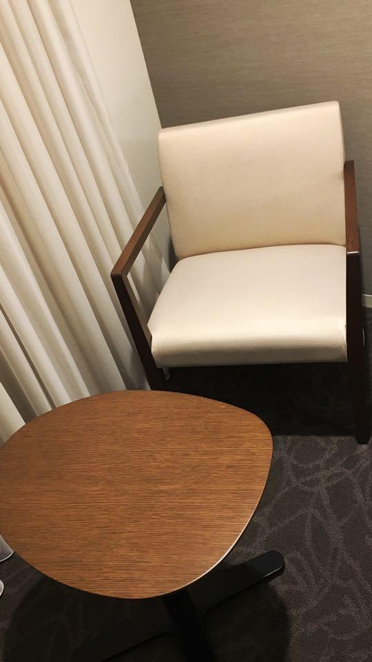 テーブルとチェア_ダイワロイネットホテル_daiwa roynet hotel