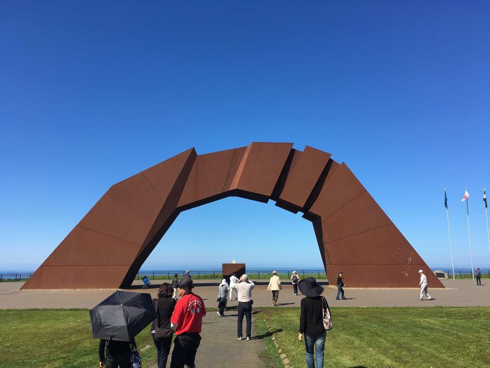 望郷の岬公園_四島(しま)のかけ橋の像